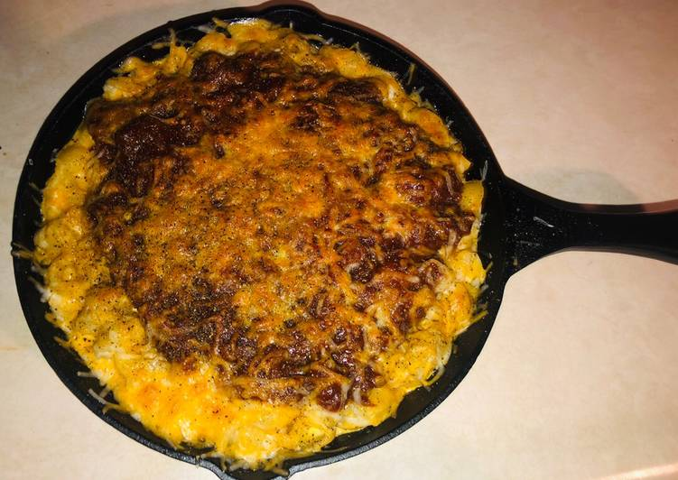 Bbq pulled chicken Mac and cheese
