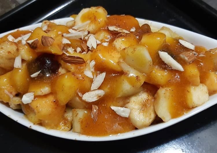 Fruit chaat with khobani sauce😋