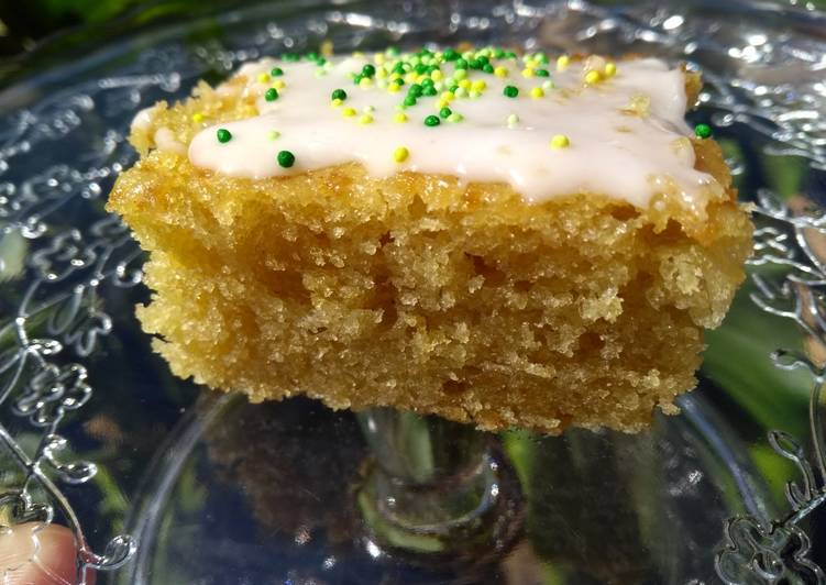 THE lemon cake