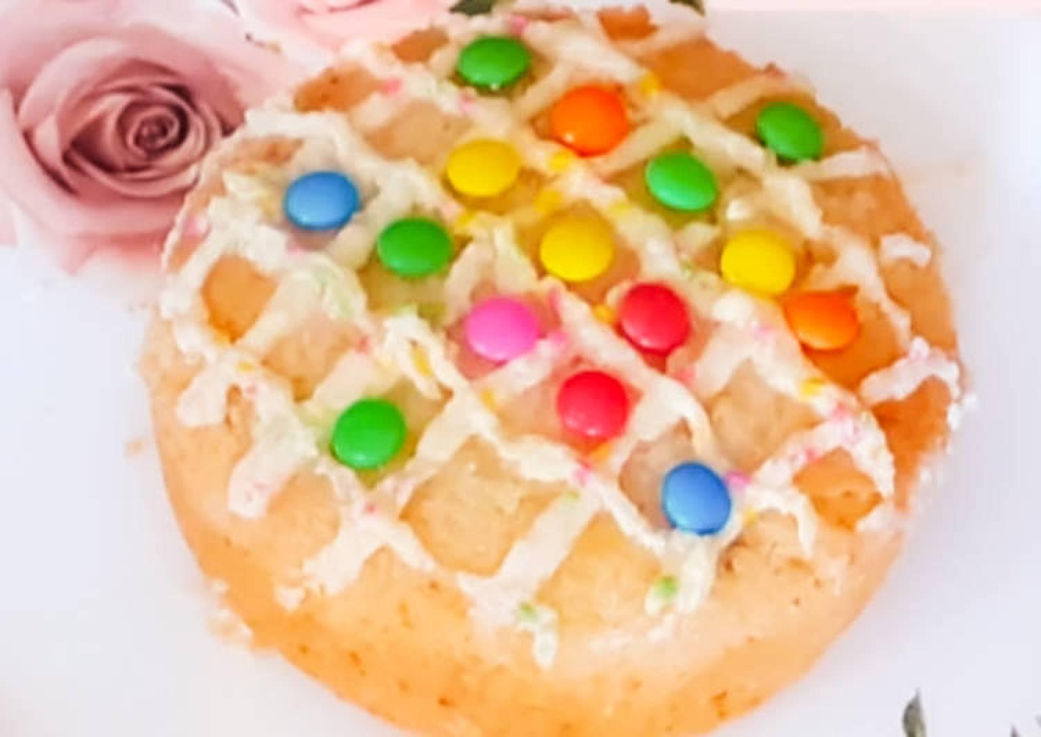 Vanilla sponge cake in a pressure cooker with
