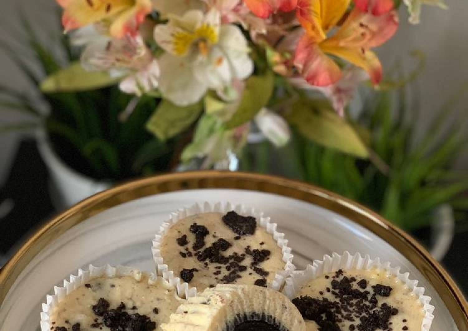 Oreo Cream Cheese Cupcake