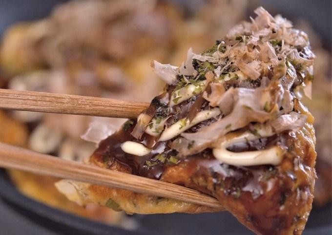 OKONOMIYAKI (Japanese Pizza / Japanese Savory Pancake)【Recipe Video】