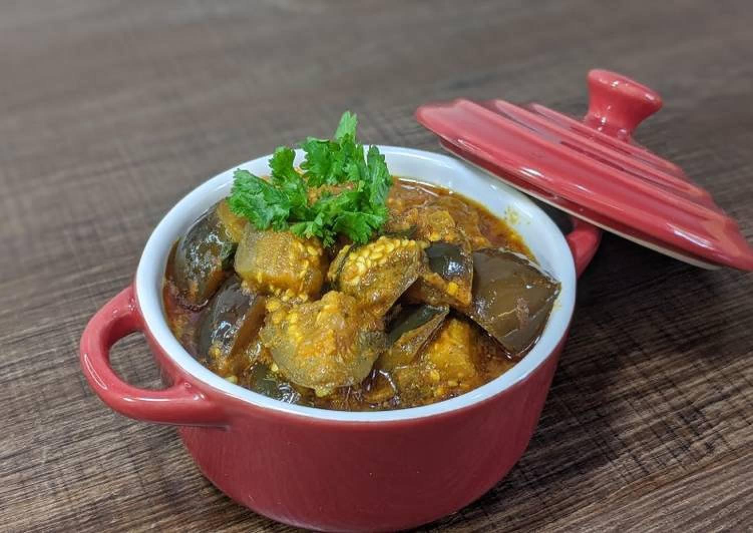 Eggplant curry/ Vangi Bhaaji/ Brinjal curry