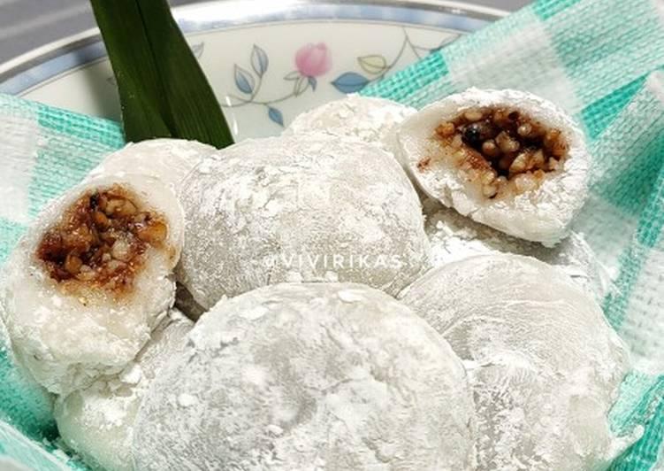 Mochi isi kacang tanah