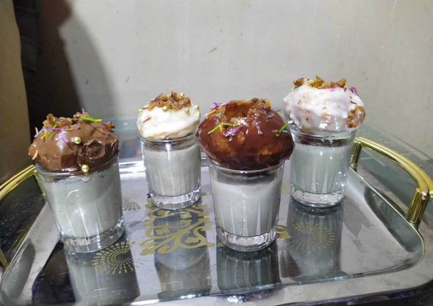 Golgappa dessert with paan shots