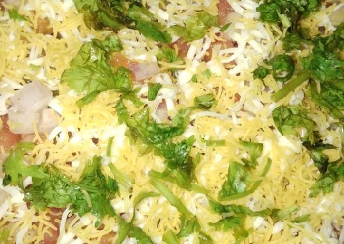 Spicy Bombay Style Masala Khichiya Papad