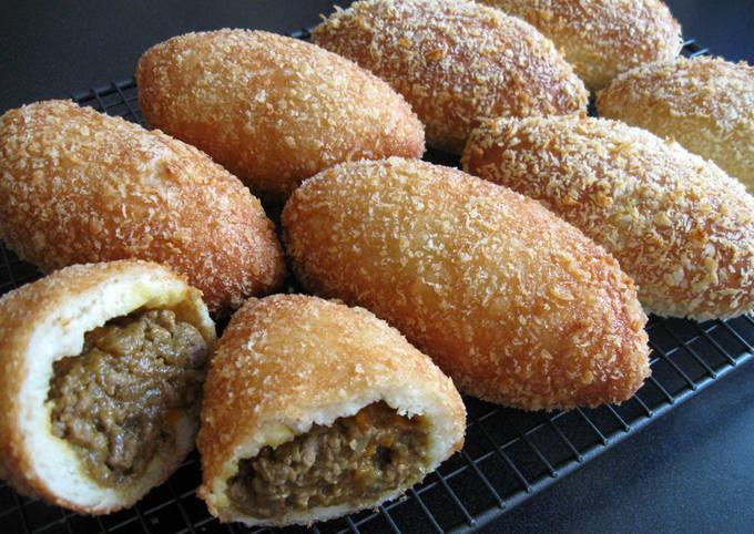 Easiest Way to Make Favorite Curry Stuffed Bread 'Karee Pan'