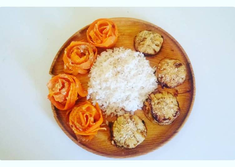 Assiette gourmande aubergine, carottes en roses