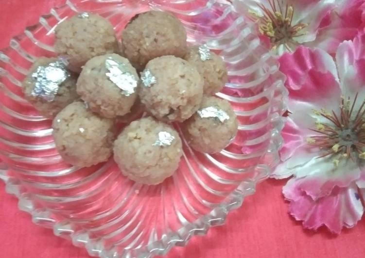 Coconut beetroot laddoo