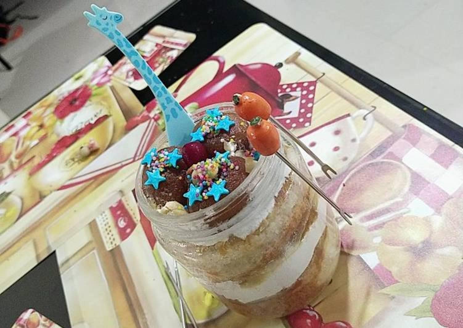 Gulab jamun flavoured icing cake