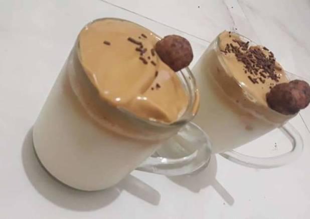 Dalgona coffe enak