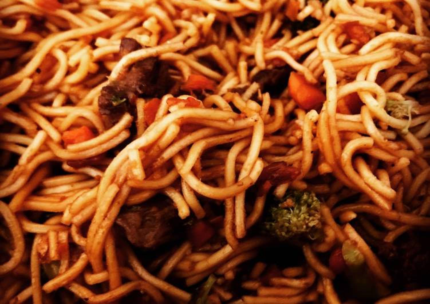 Lo mein with Beef & Broccoli