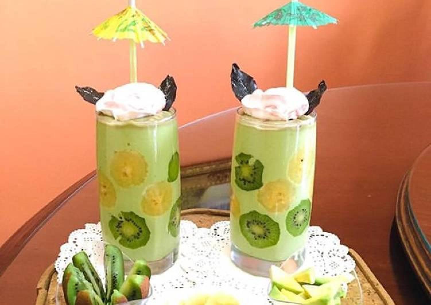 Avocado Smoothie with condensed milk #chocolateSpoon #Photographychallenge