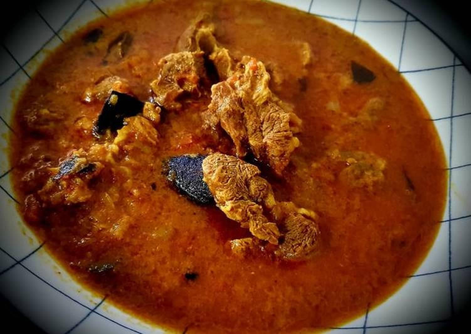 Chettinad Mutton Kuzhambu (Chettinad Mutton Gravy)