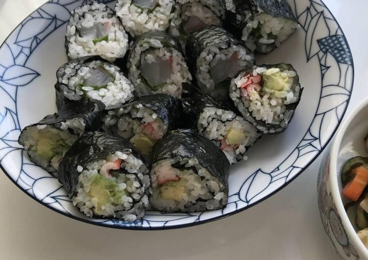 Nori Roll Sushi (Norimaki)