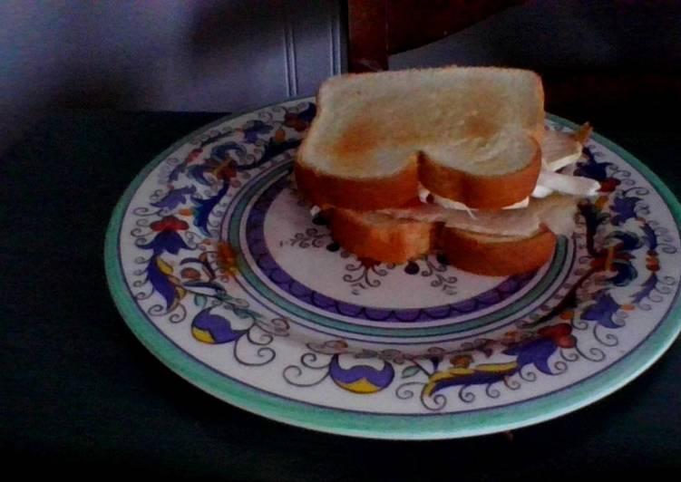 Healthy + Delicious Breakfast Sandwich with Turkey ham and Queso de Hebra (Very Easy to Make)😉😋