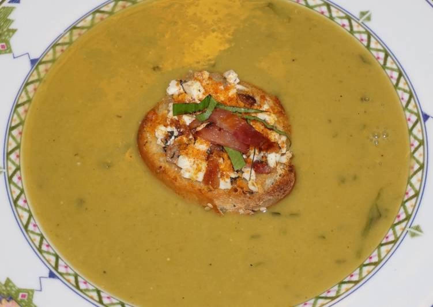 JON'S GREEN SPLIT PEAS SOUP WITH FETA CHEESE AND BACON BRUSCHETA