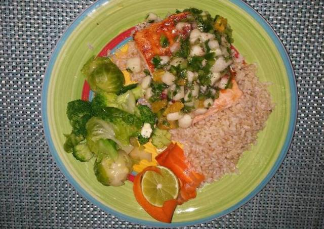 Grilled salmon with peach citrus salsa
