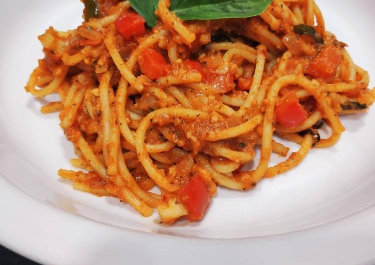 Spaghetti in Arabiatta sauce