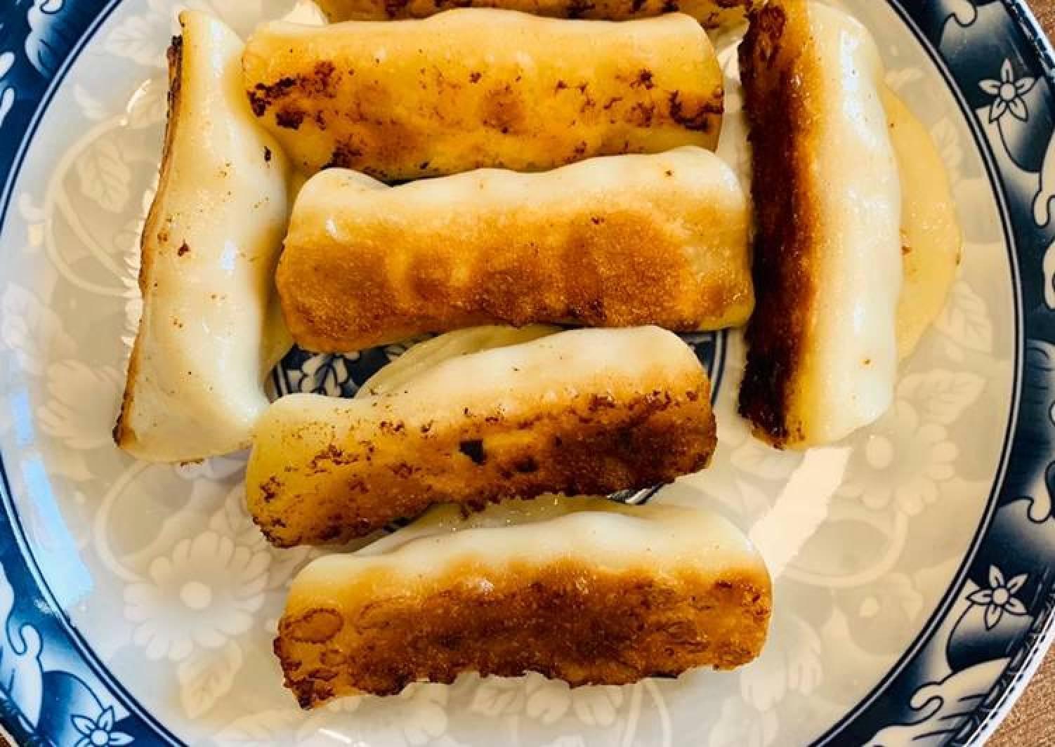 Guo Tie (Chinese pan fired dumplings)