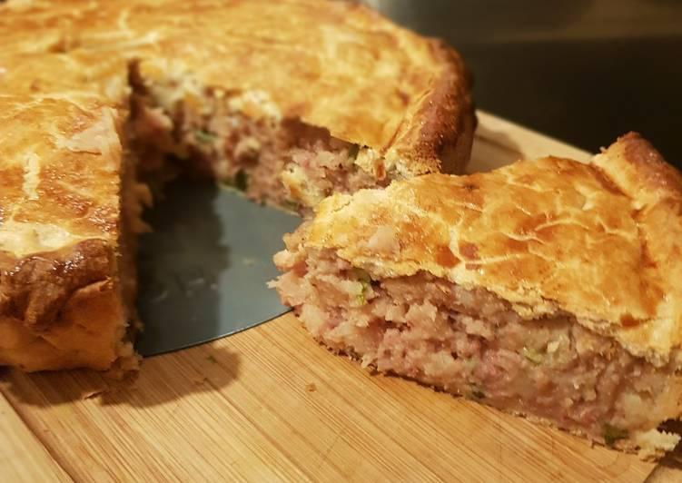 Corned beef  potato pie