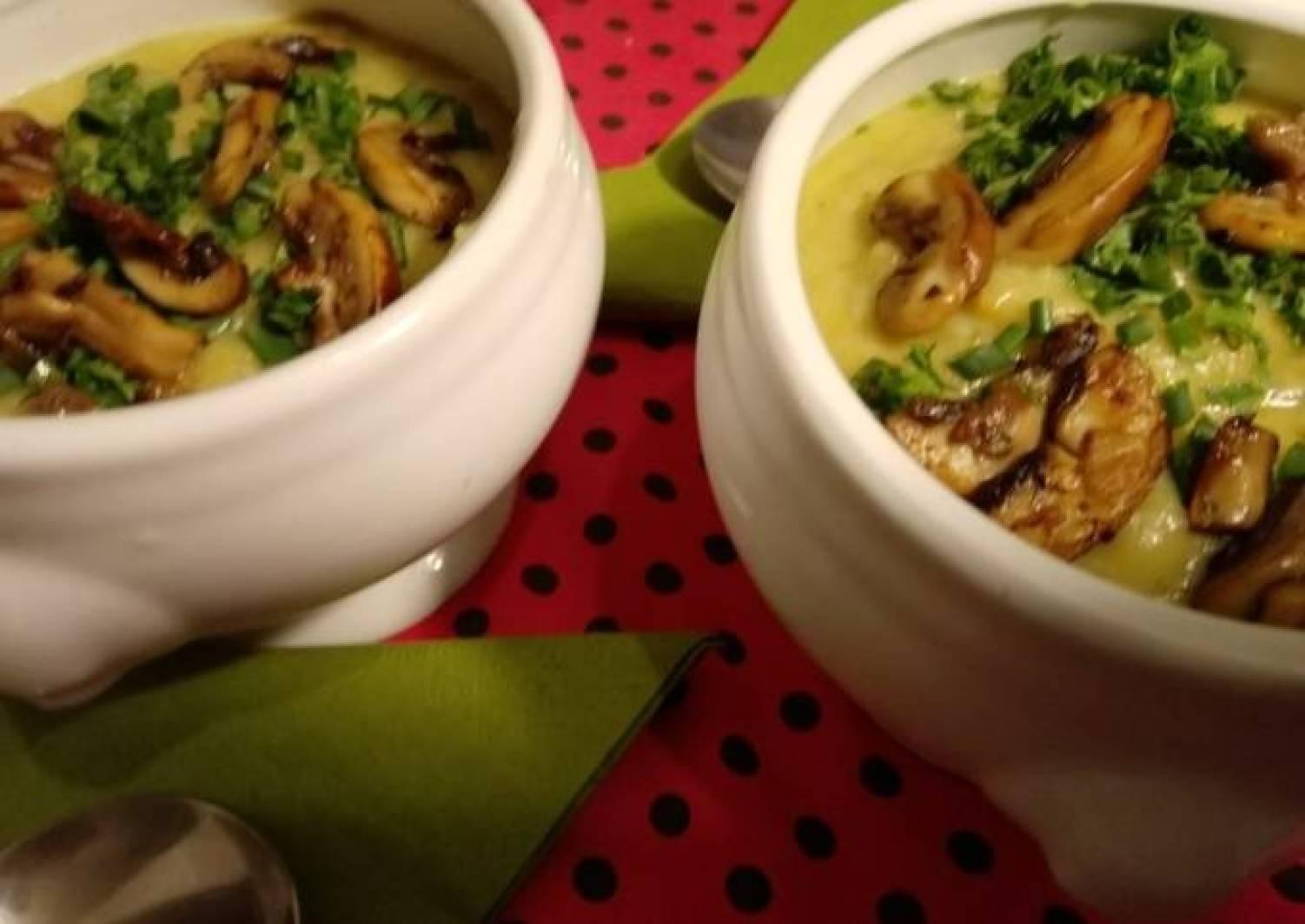 Kartoffel-Suppe mit Champignons