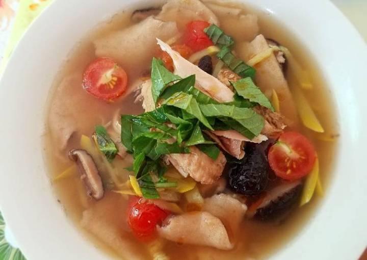 Hand-tore Spelt Noodle chicken Soup