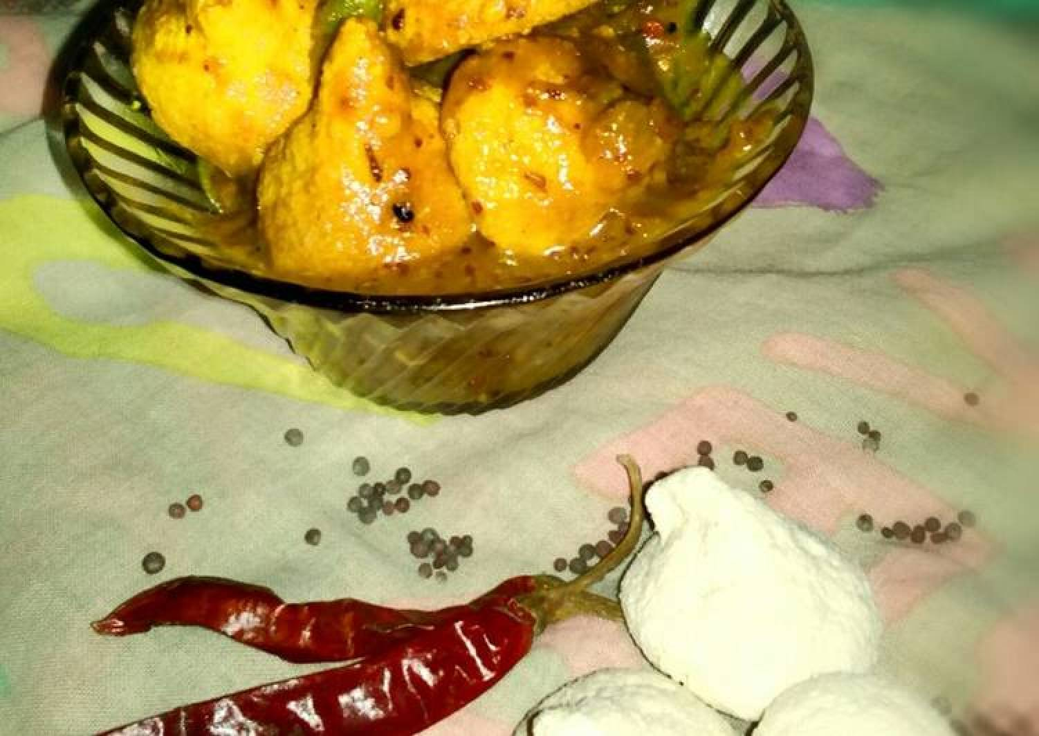 Dried Lentils dumplings with sour gravy