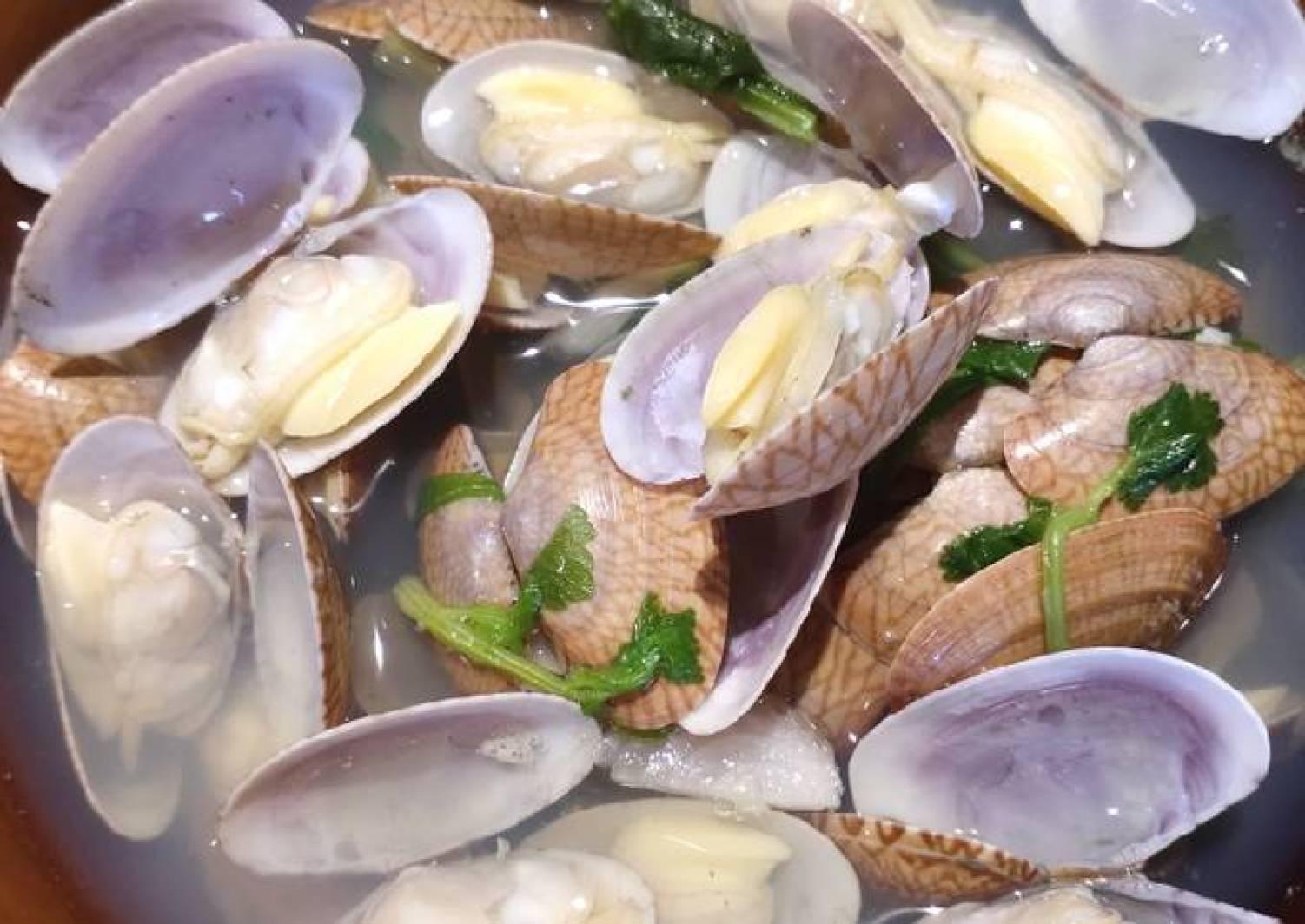 Clams in superior soup [Recipe] - Thokohmakan
