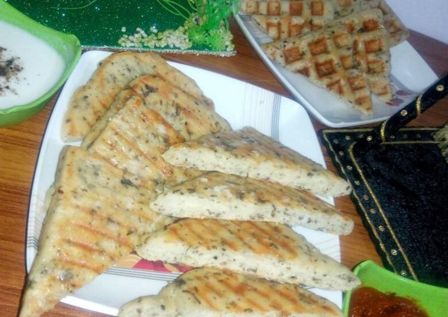 Mint & garlic butter bread
