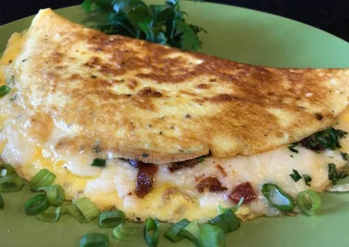 Omelette with Crispy Bacon, Vegetables and Mozzarella Cheese
