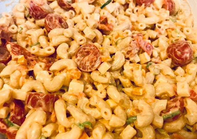 Pepper Tomato Macaroni Salad