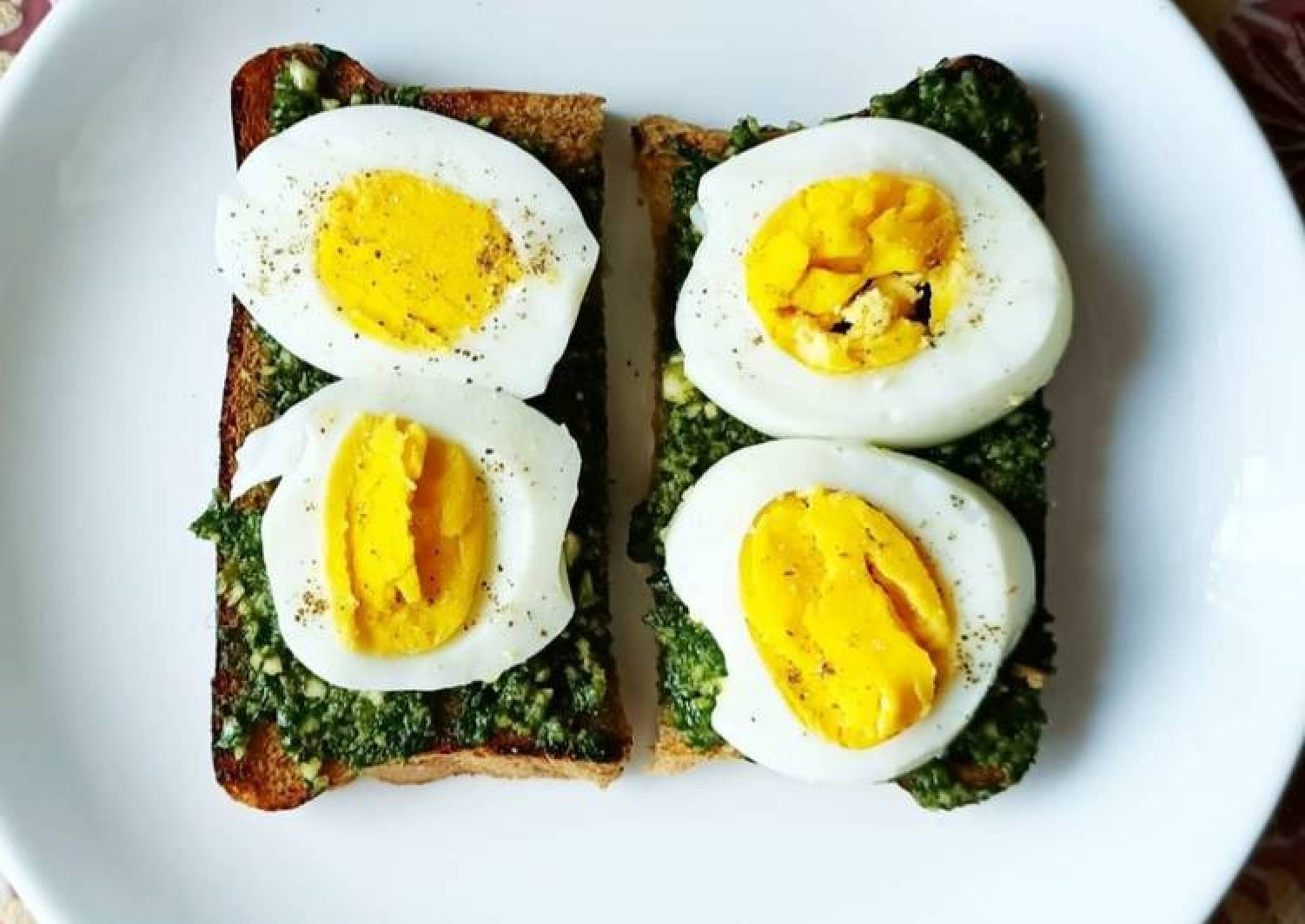Egg Pesto Sandwich