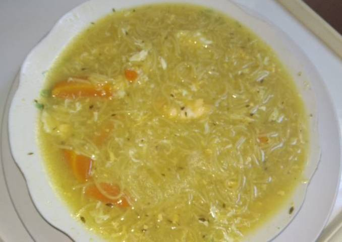 Sopa con huevo