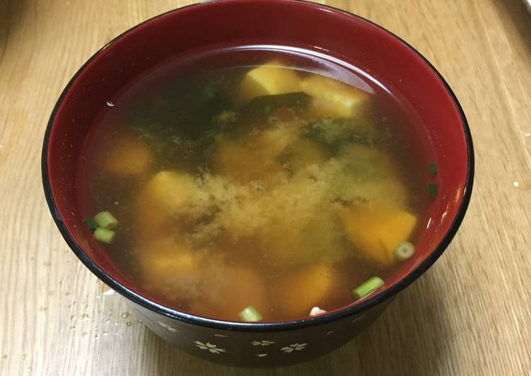 Miso soup with Tofu and Wakame