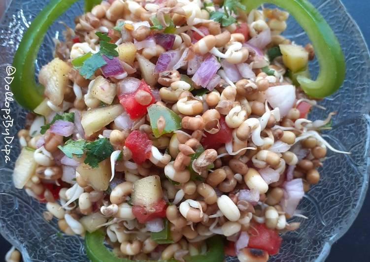Recipe of Ultimate Sprouted Turkish Gram with peanuts