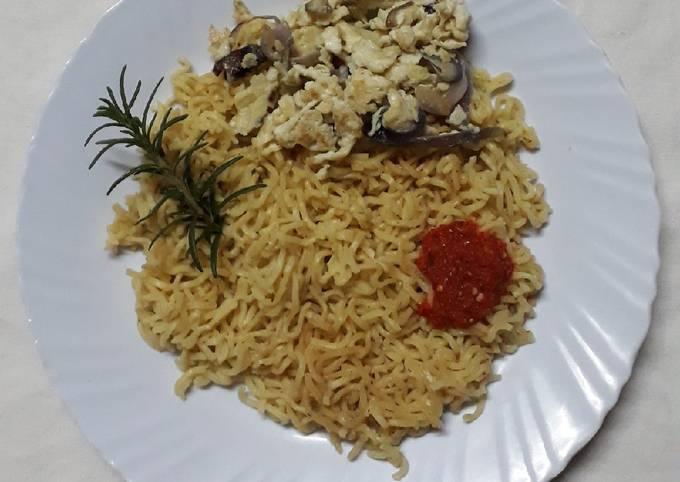 Step-by-Step Guide to Make Tasty Chicken Flavoured Indomie Instant Noodles #4weekschallenge#