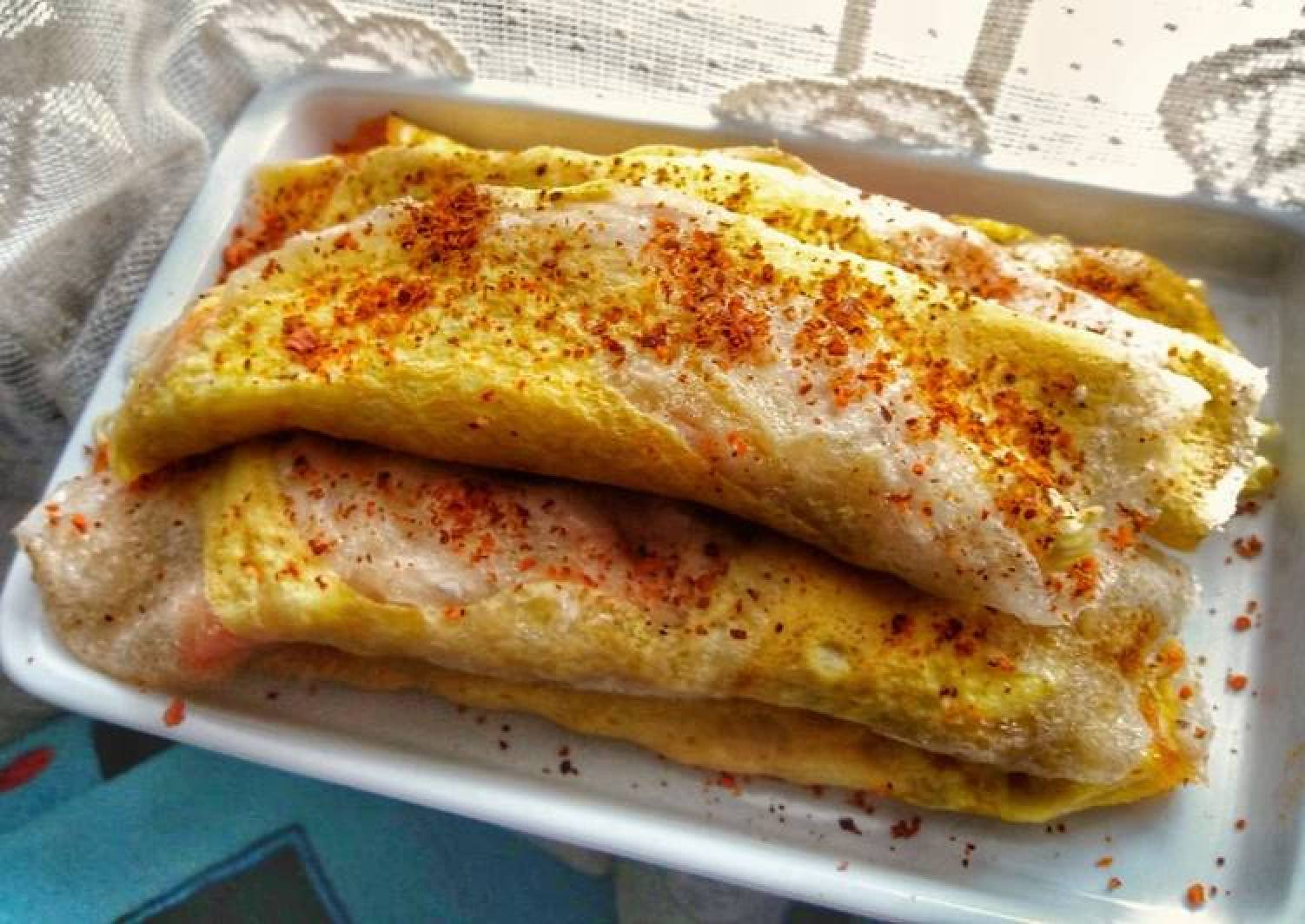 Cilung Isi Mie / Tapioca and Egg Omelette With Noodle