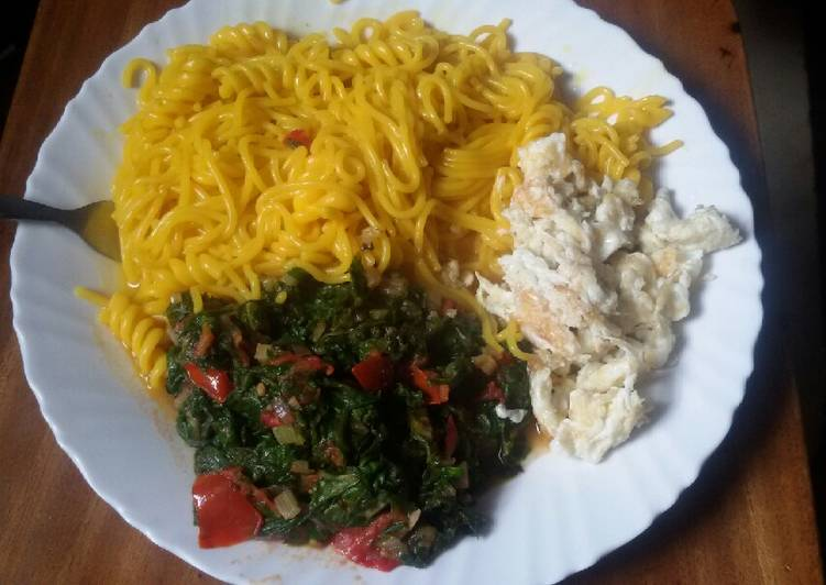 Spargetti with kales and beaten eggs