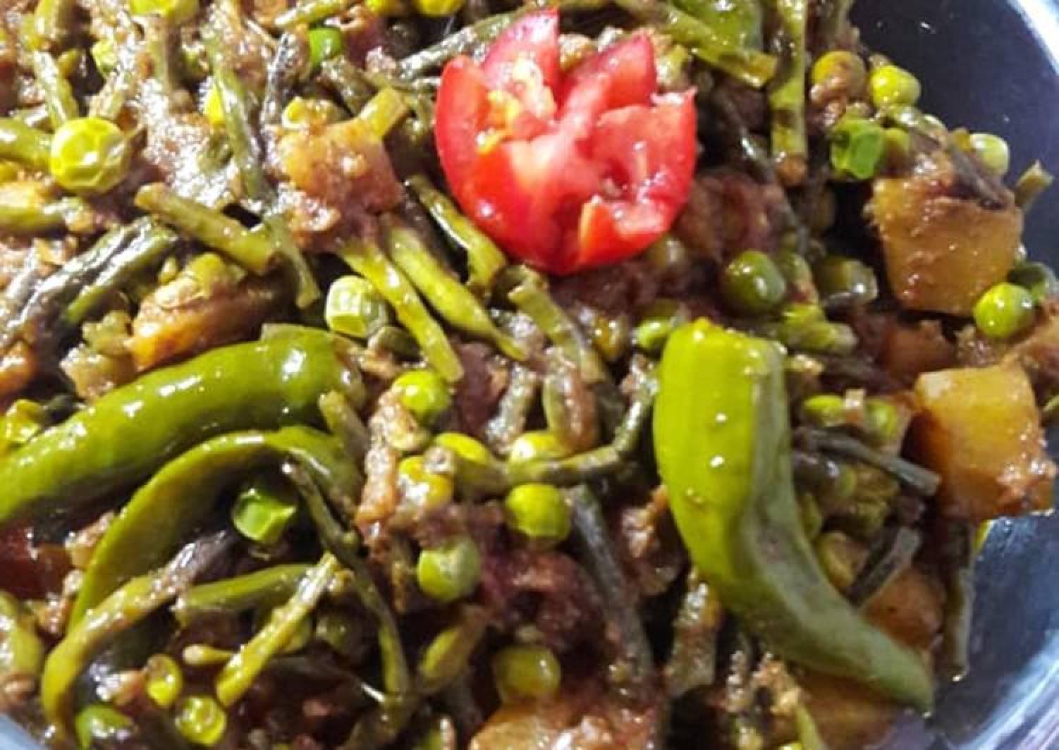 Freanch Beans and Aloo Mater Ki Sabzi