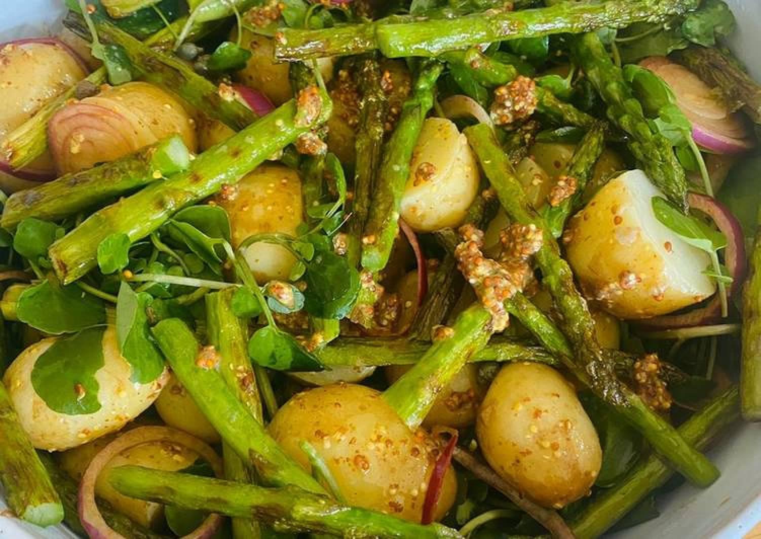Potato salad with asparagus