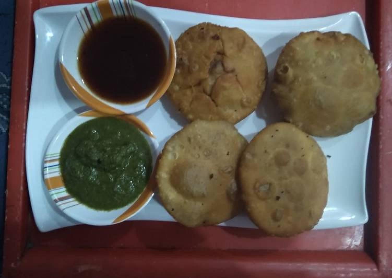 Aloo(potato) pyaz(onion) kachori