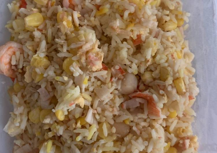 How to Prepare Speedy Seafood fried rice