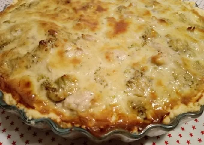 Der einfachste Weg Um Superschnelle Hausgemachte Brokkoli-Hähnchen-Gorgonzola-Tarte zu machen