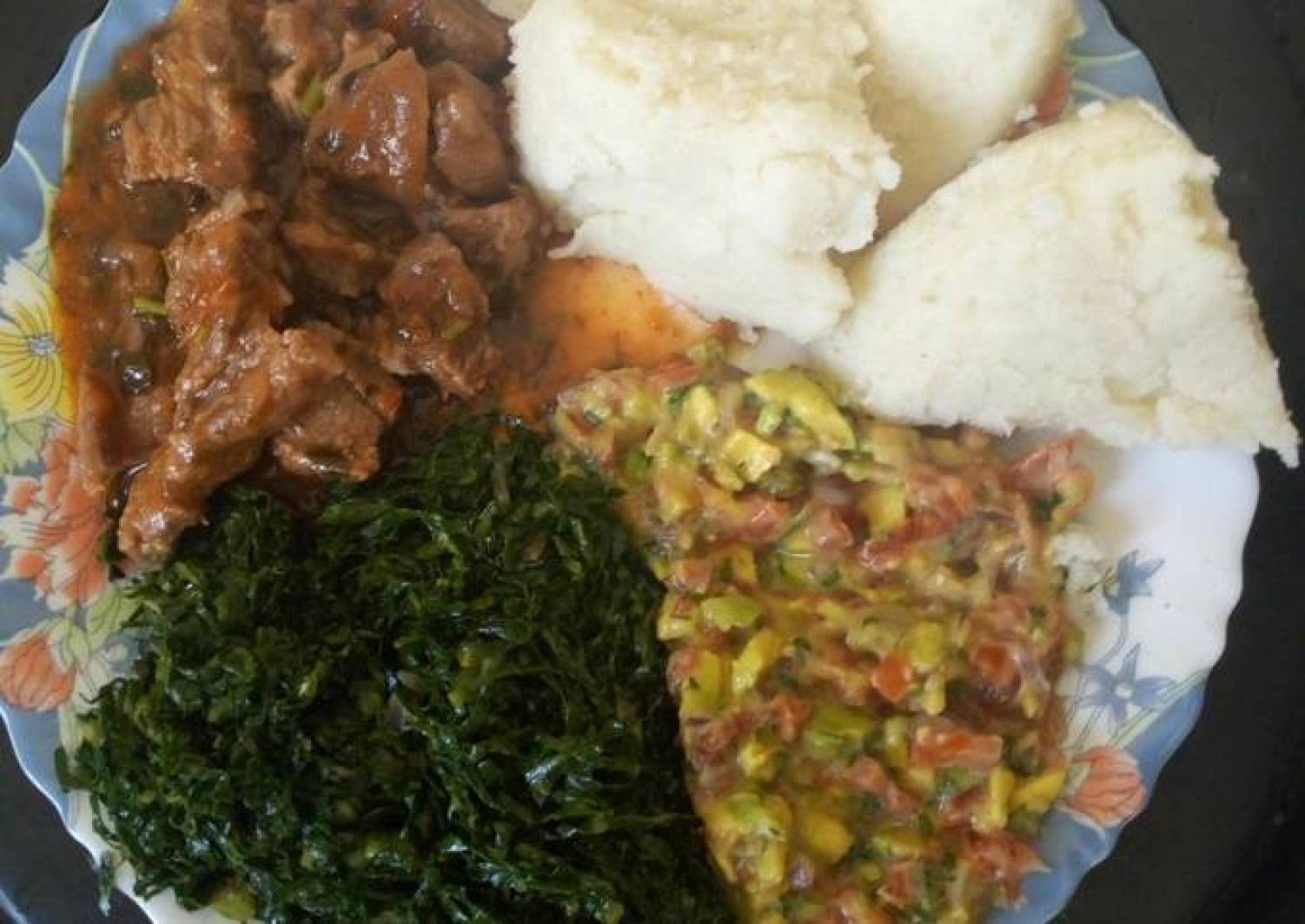 Ugali and greens with fried meat and kachumbari#4weekchallenge