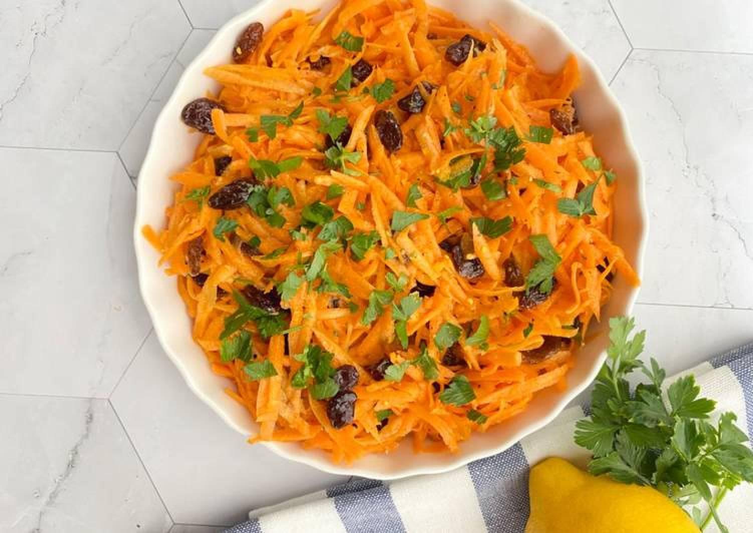 Carrot raisin summer salad