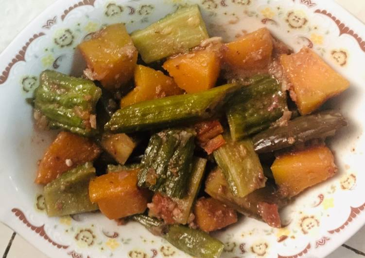 Vegetables in Shrimp Paste (Simple Pinakbet)