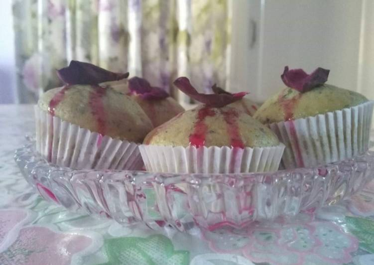 Pure rose cup cakes