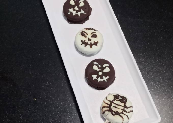 Recipe of Super Quick Homemade Oreo biscuit cookie chocolates(Halloween)