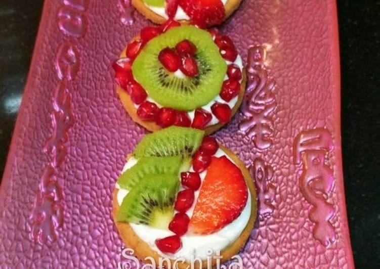 Mini Fruit Pizza Bites